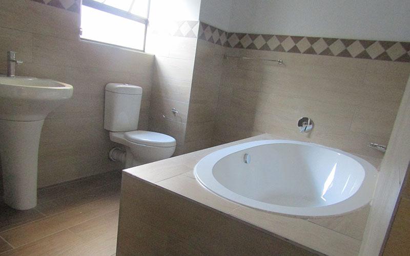 Luxury-4-star-lodge-in-Kwa-Mhlanga3